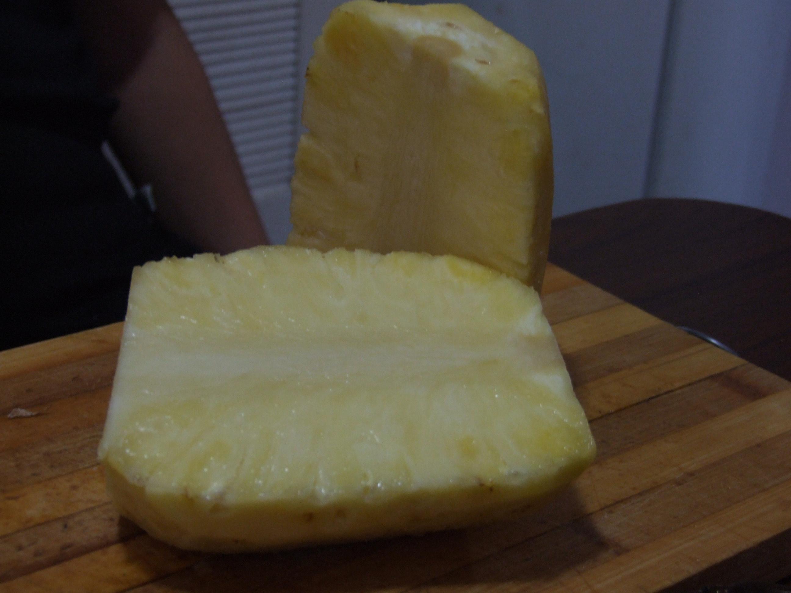 ananas tăiat